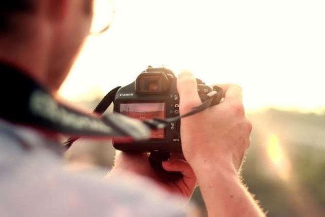 Скільки заробляють фотографи в місяць в России в Середньому